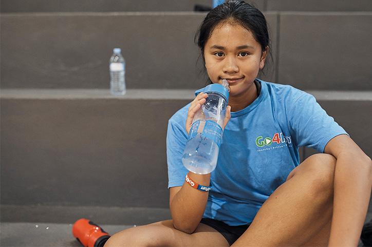 Go4Fun girl drinking water